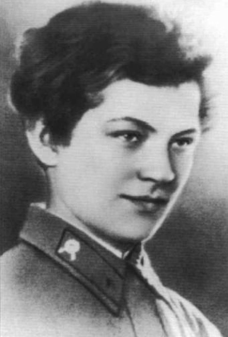 Русская дама в чулках фото 19 фотография